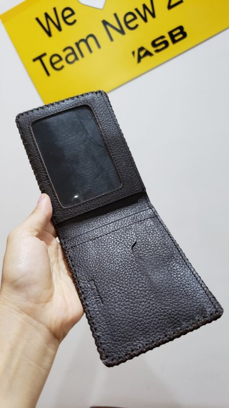 Ví nam da bò handmade Bifold Wallet màu nâu đen